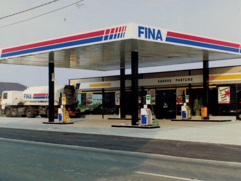 1990-Lada-Fina
